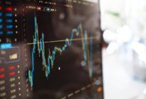 Finanz-Chart auf einem Computerbildschirm