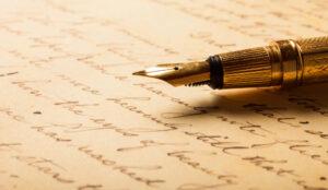 Füller liegt auf Papier