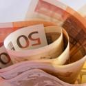 50 euro scheine in ein bündel gerollt