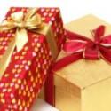zwei geschenk päckchen