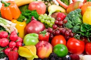 viele verschiedene obst und gemüse sorten