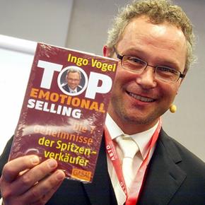"""Ingo Vogel, Esslingen, ist Rhetorik- und Verkaufstrainer. Er gilt als der Experte für """"emotionales Verkaufen"""" und """"emotionale Verkaufsrhetorik""""."""