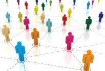 Netz aus verschiedensten Personen welche miteinander Arbeiten