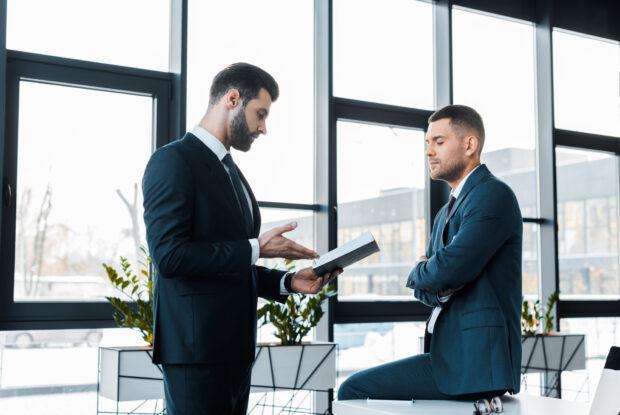 14 Tipps, wie Sie ein konstruktives Kritikgespräch führen