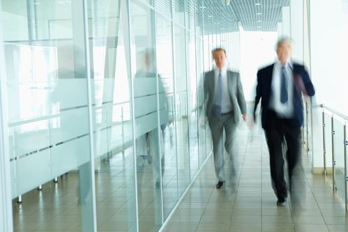 Erfolgreiche Alltagskommunikation auf dem Büroflur