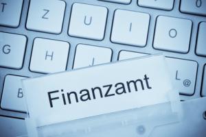 Aktentasche zum Thema: Finanzamt