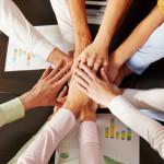 Stimmt der innere Zusammenhalt eines Teams, dann arbeitet es auch effizient. Bildquelle: fotolia.com © Robert Kneschke
