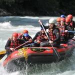 Beim Wildwasserrafting zählt zwar der Spaß, aber ebenso die Erfahrung einer geschlossenen Teamleistung.Bildquelle: pixabay.com © james3214 (CC0 Public Domain)