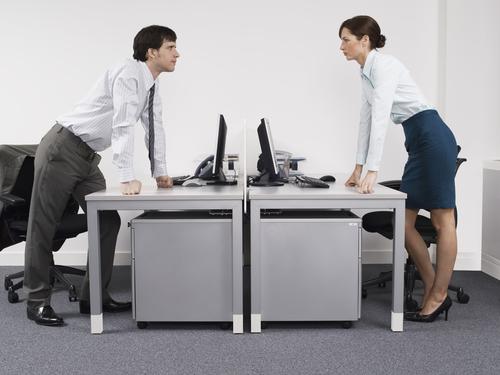 Führungskräfte betrachten Streitkultur im Unternehmen als positiv