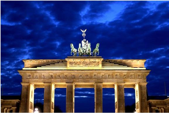 Die Bundeshauptstadt Berlin wird für Unternehmen bei der Standortfrage zunehmen attraktiver.