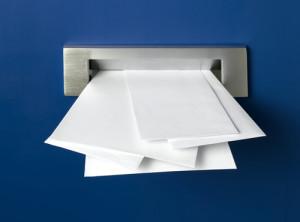 Briefkasten mit Junk Mail