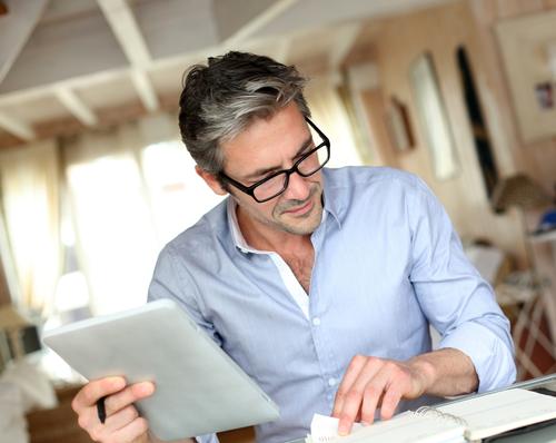 Wie Sie die Kompetenzen und Motivation älterer Mitarbeiter aufrecht erhalten