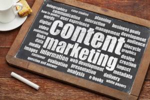 Content Marketing auf einer Kreidetafel