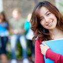Studentin draußen