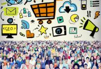 Menschen mit Onlinemarketing-Konzept