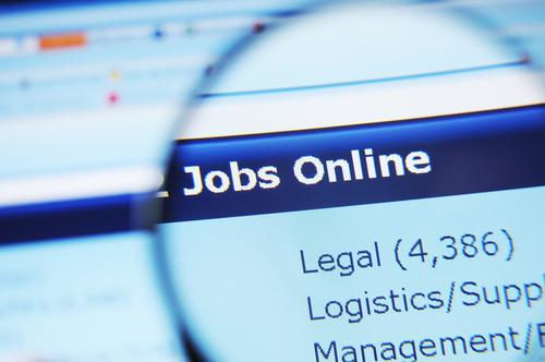 Zwei von drei Unternehmen können freie Stellen schwer besetzen