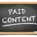 Bezahler Content auf einer Kreidetafel