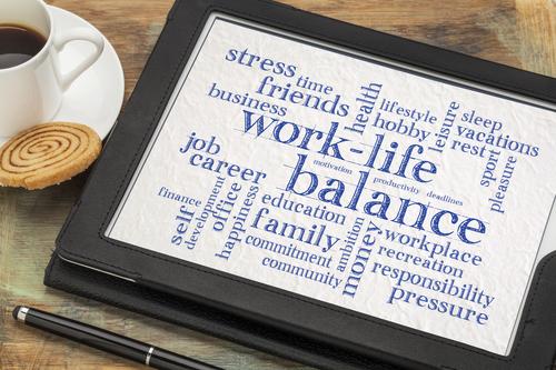 Drei von vier Beschäftigten in Deutschland wünschen sich flexiblere Arbeitszeitmodelle