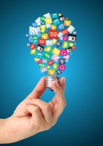Glühbirne aus Social Media Symbolen