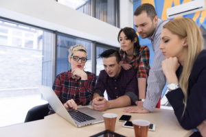 Start-Business-Team treffen im modernen Büro