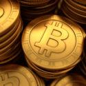 Illustration von getäfelten goldenen Bitcoins