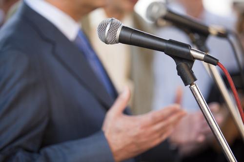 Die Reden von Top-Managern im Verständlichkeits-Check