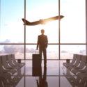 Geschäftsmann an einem Flughafen