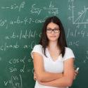 Intelligenter junger Mathematikschüler oder -lehrer