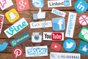 verschiedenste Sozial Media Symbole