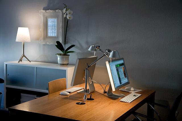 Selbstständige im Home-Office: Professionell im eigenen Arbeitszimmer