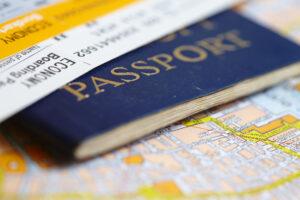 Pass, Karte und Flugticket