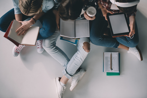 Einstiegsgehälter nach der Uni: Das müssen Unternehmen Absolventen zahlen