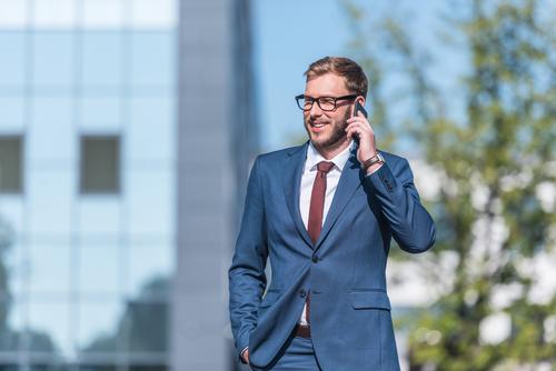 Gehälter von Geschäftsführern sind dreimal so hoch wie die anderer Führungskräfte