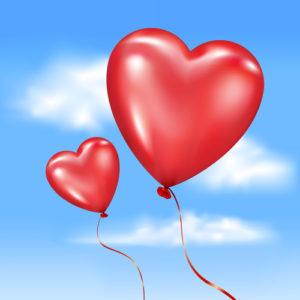 Aufgeblasene herzförmige Luftballons