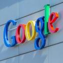 Google-Zeichen auf dem Google-Bürogebäude
