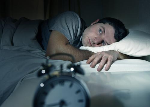 Einschlafhilfen – 8 Tipps zum besseren Einschlafen