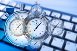 Uhren auf Computertastatur