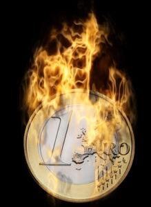Digitale Visualisierung eines brennenden Euro