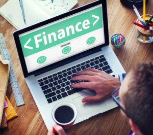 Digital-on-line-Finanzgeschäfts-Geld-Büro-Arbeitskonzept