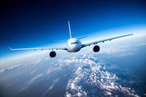 Passagierflugzeug im Himmel
