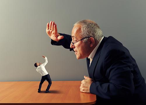 Führungskräfte übernehmen den Führungsstil ihres eigenen Vorgesetzten