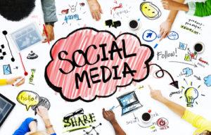 Gruppe Geschäftsleute mit Social Media-Konzept