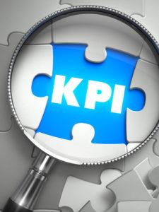 KPI - Fehlendes Puzzleteil durch Lupe.