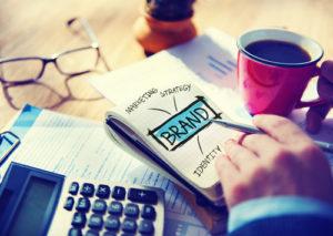 Digital-on-line-Marketing-Marken-Büro-Arbeitskonzept