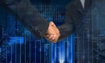 Hand schütteln zwischen Geschäftsmann auf Handelsdiagramm auf dem Stadtbild