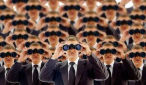 Vision: Geschäftsmänner mit Fernglas