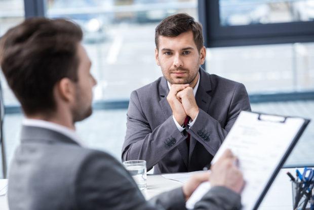 Mitarbeitergespräche: Warum viele Einführungen scheitern – und wie es trotzdem klappt