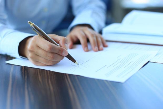 Diese Fehler sollten im Arbeitsvertrag vermieden werden