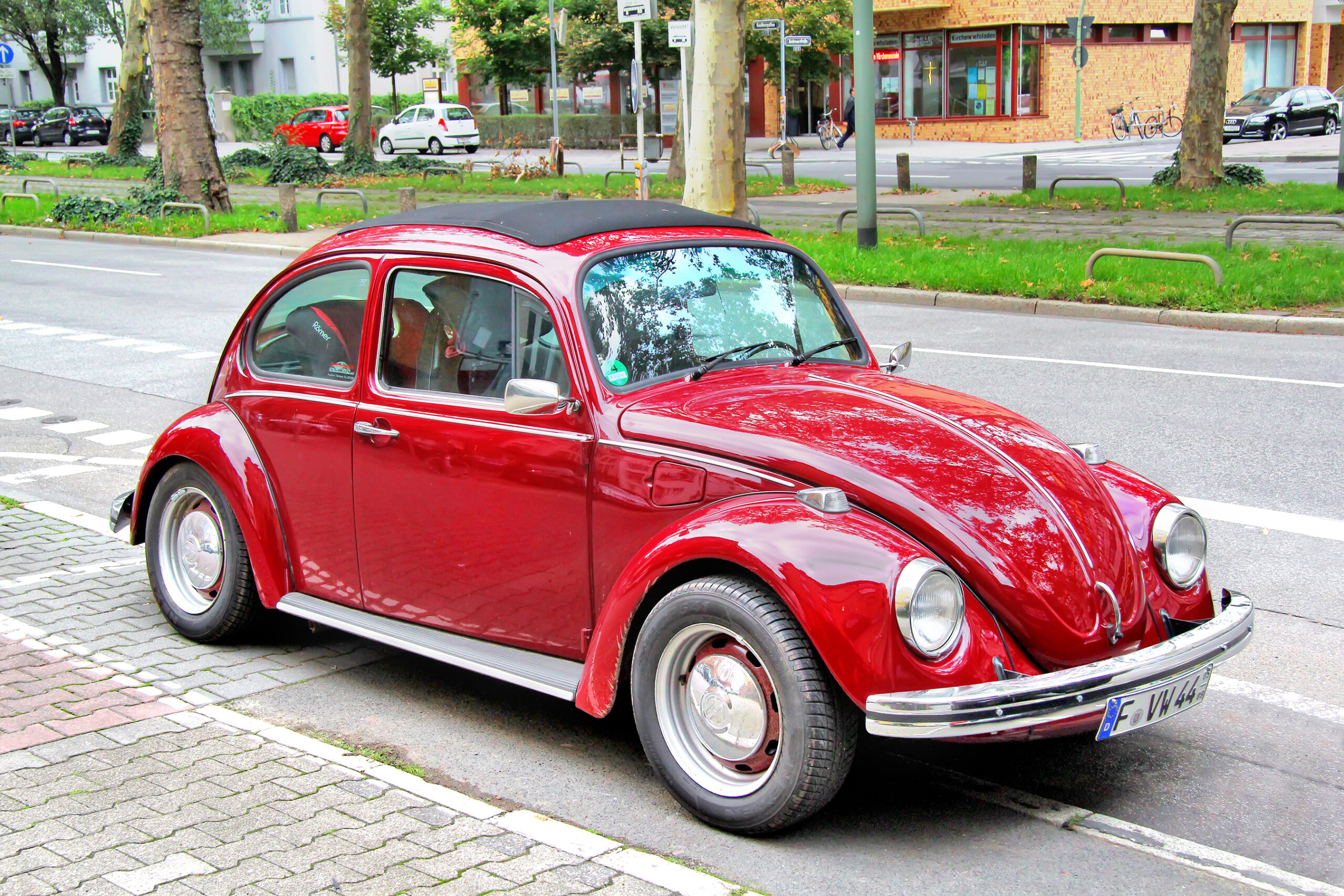 VW-Käfer in rot