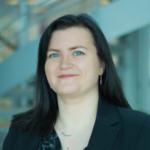 Porträtfoto von Leonie Brown, XM-Wissenschaftlerin von Qualtrics